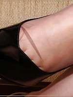 men wearing stocking pay site