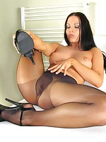 toes in hose licking